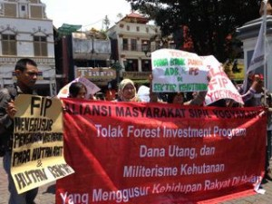 Protest against FIP in Indonesia September 2013