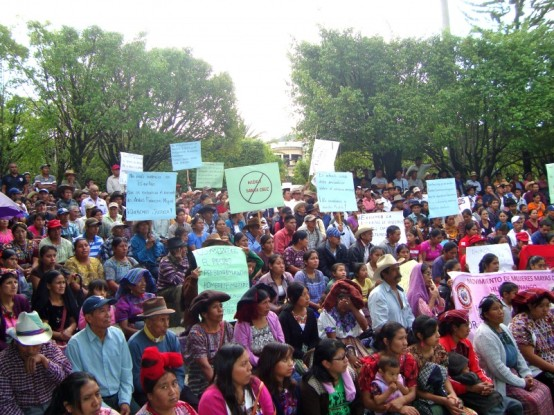 Community members and indigenous peoples organisations protesting against Hidro Santa Cruz in June 2013 in Barillas, Guatemala.   Photo: Danielle DeLuca/Cultural Survival