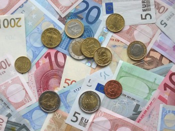 Greece and IMF Article Euro_coins_and_banknotes v2