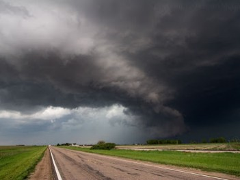 Supercell east of Elwood, Nebraska, May 29, 2008.