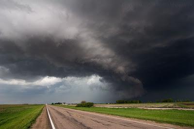 Supercell east of Elwood, Nebraska, May 29, 2008.