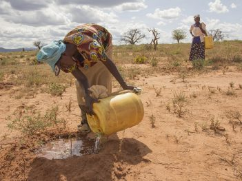 Women watering mukau sapplings in Kenya. Credit: Flore de Freneuf/World Bank