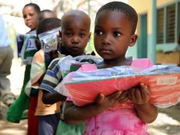 tanzanian-children-with-school-packs